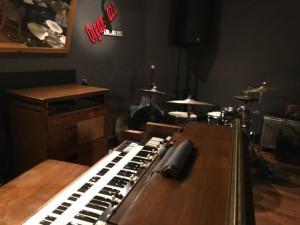 オルガンとドラム
